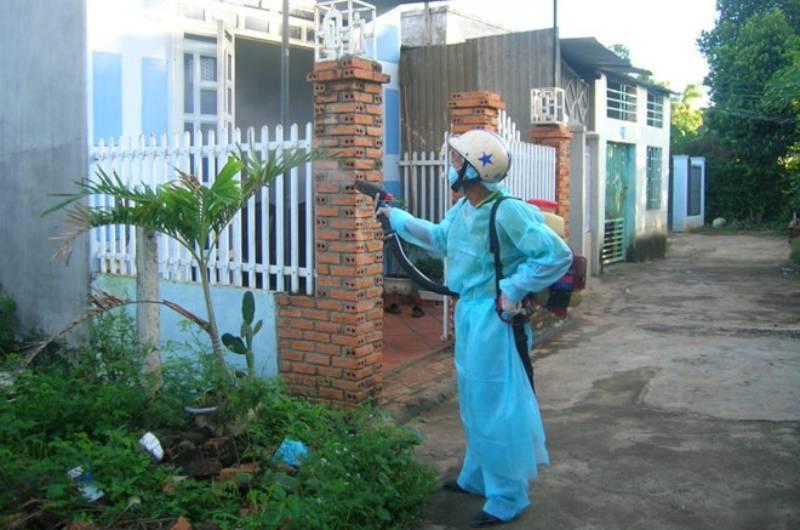 Phun thuốc xịt muỗi bao lâu mới được vào nhà?