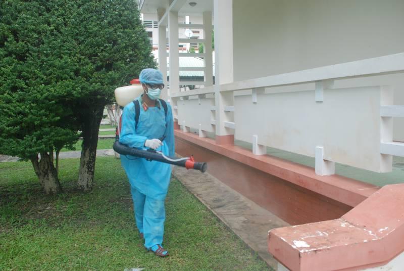 Phun thuốc muỗi có ảnh hưởng đến bà bầu không