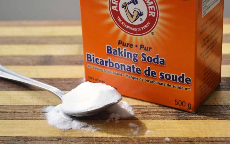 """Baking soda là nguyên liệu """"thần thánh"""" có vô số công dụng ngay bao gồm cả diệt gián"""