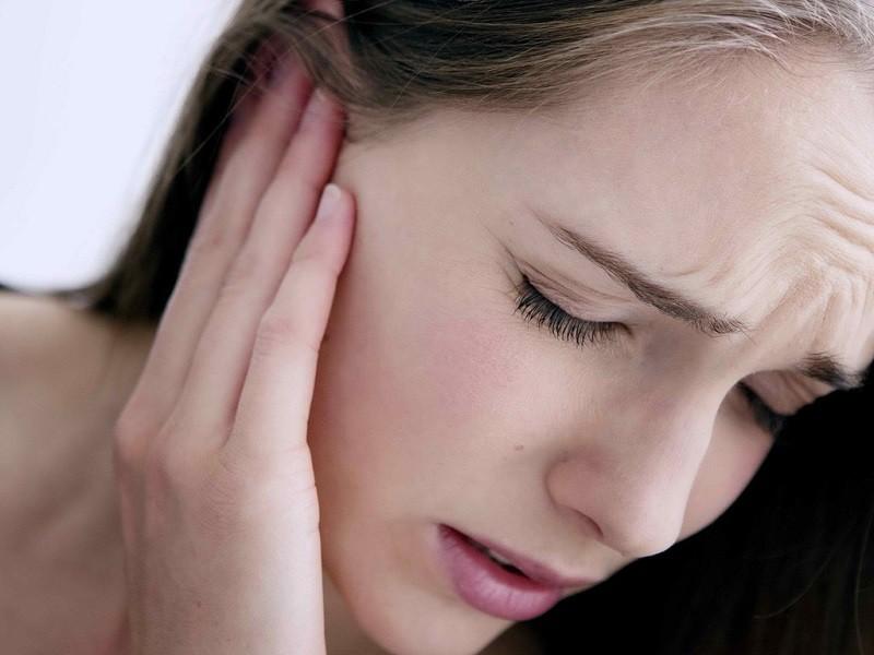 Dấu hiệu nhận biết kiến chui vào tai