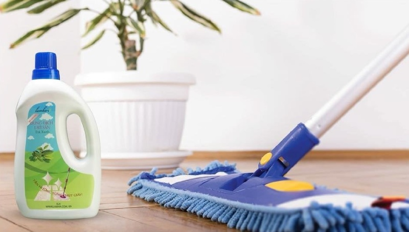 Nước lau sàn đuổi muỗi được bổ sung các mùi hương tự nhiên làm muỗi phải tránh xa