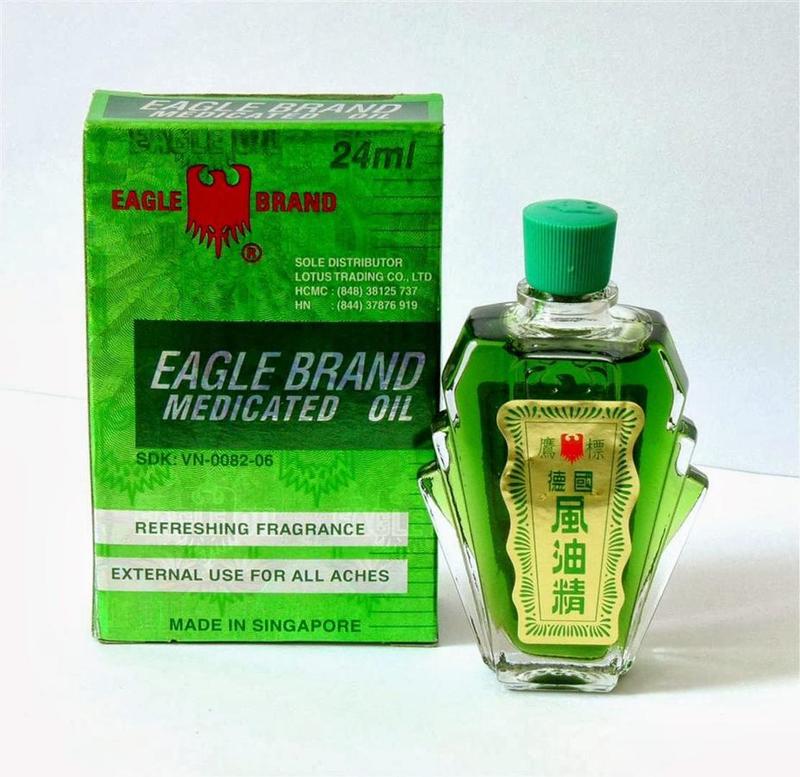 Trị muỗi đốt bằng dầu gió cách phổ biến nhất hiện nay