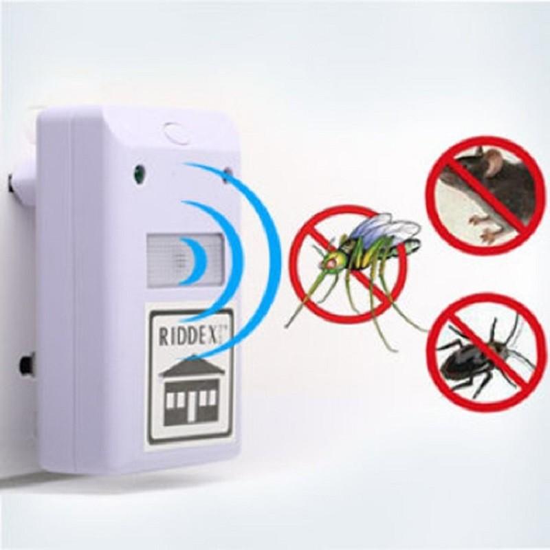 Máy đuổi côn trùng Riddex sử dụng công nghệ xung điện kỹ thuật số