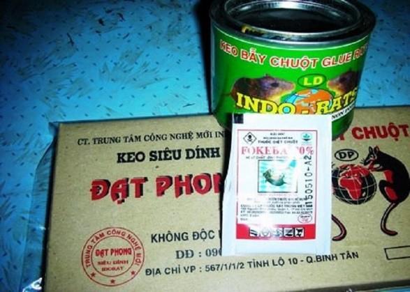 Keo dính chuột Đạt Phong có mùi thơm nhẹ để chiêu dụ chuột